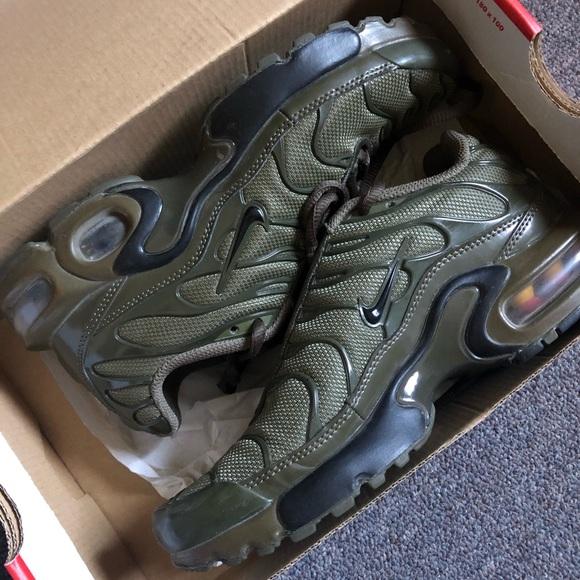 Olive Green Nike Air Max Plus sz 4Y